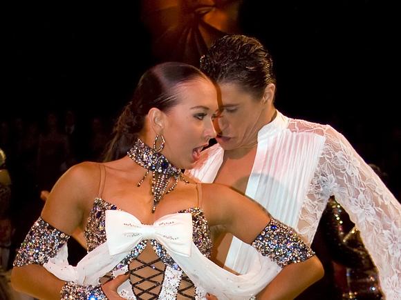 Die aktuellen Jugendweltmeister in den lateinamerikanischen Tänzen: Charles Guillaume Schmitt und Eléna Salikhova