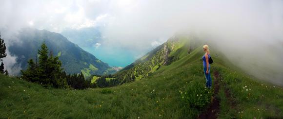 Blick vom Grad hinab zum Vierwaldstätter See