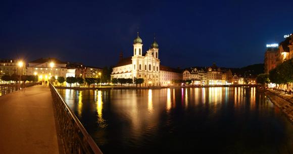 Blick vom Rathaussteg zur Jesuitenkirche